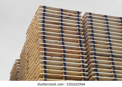 wood pallets plank stack industrial shipping factory shipment distribution