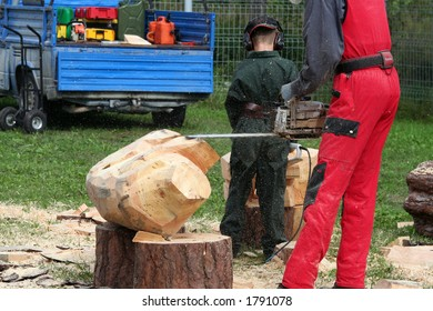 wood sculpture making