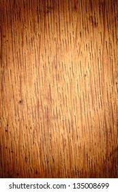 Wood texture, vertical, heavy vignette