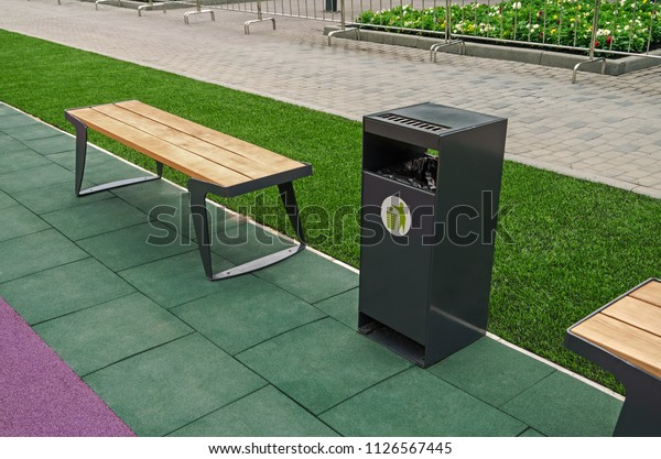 wooden-bench-rest-garbage-bin-600w-11265