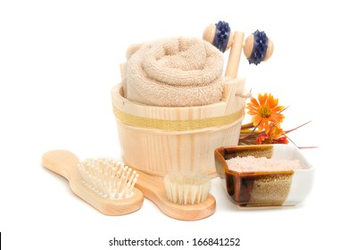 Wooden bucket with SPA and sauna accessories with Himalayan Salt scrub