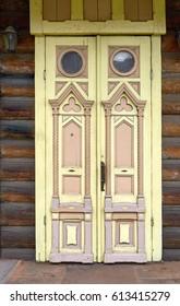 Wooden door with thread