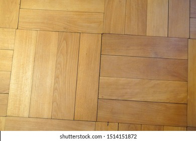Wooden floors in the interior of a living room give a pleasant atmosphere and look good