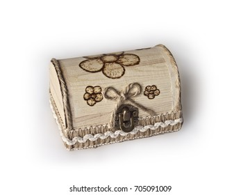 Wooden gift box in shabby chic and pyrography