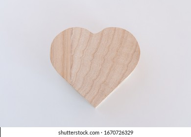 Wooden heart box that is made by plywood