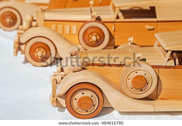 wooden-model-retro-executive-cars-600w-4