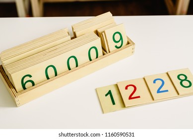 Wooden numbers in tables to learn mathematics.