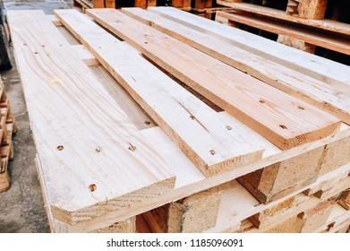 Wooden pallet for cargo transportation