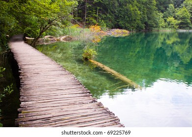 wooden path over Plitvice lake, Croatia