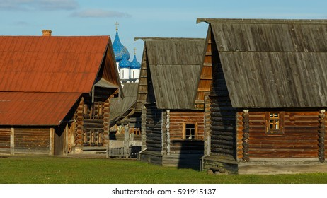 Wooden peasant house in the Museum of wooden architecture in Suzdal, Russia.