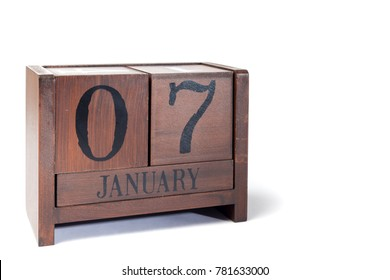 Wooden Perpetual Calendar set to January 7th