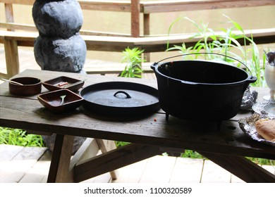 Wooden plates on a picnic table