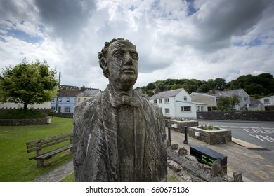 Wooden Sculpted Bust of Poet and Welsh Bard Dylan Thomas in Laugharne, Carmarthenshire, Wales in July 2014