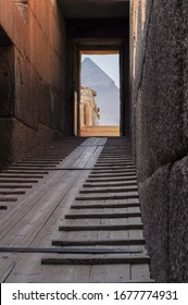 Wooden staircase leading to the Cheops pyramid