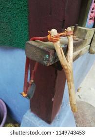 a wooden vintage lastik