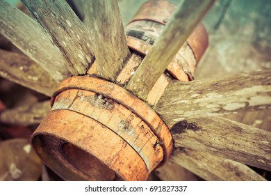 wooden wheel used in mills, carts, ox carts, wagons and gears