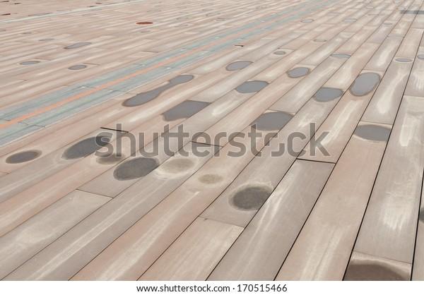 Woodiness grain