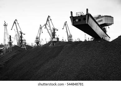Work in port coal handling terminal.