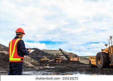 Arbeitnehmer in Braunkohlebergwerk nördlich von THAILAND