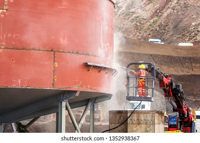 Workers' health and safety of the sandblasting. Many abrasives used in blasting rooms are not hazardous in themselves, (steel shot and grit, cast iron, aluminum oxide, garnet.