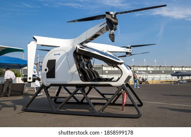 Workhorse SureFly two-seat hybrid eVTOL aircraft on display at the Paris Air Show. France - June 22, 2017