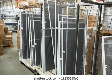 Workshop, production of mosquito nets, ready-made material for shipment.