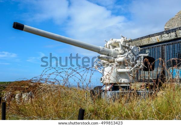 World War 2 German Artillery U Boat gun, coast of Brittany