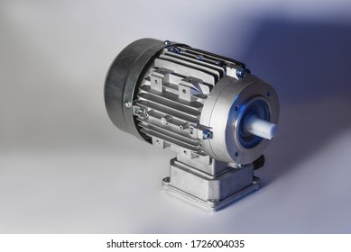 Worm motor, electric motors, induction motor and equipment for bottling lines, industrial equipment for factories. Food industry
