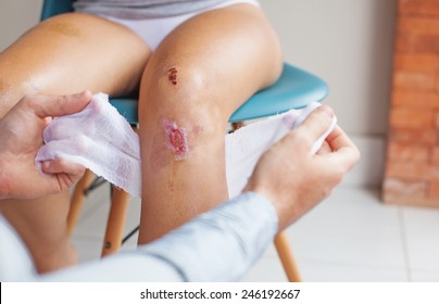 wound cleansing process in clinic