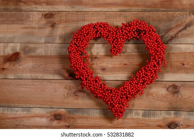 wreath of berries in a heart, decor