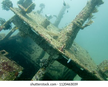 Wreck Dive, Sunken Ship