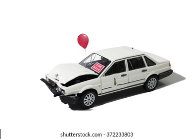 Wrecked Automobile for Sale (Model)