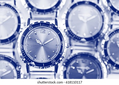 Wrist watches with a tone effect