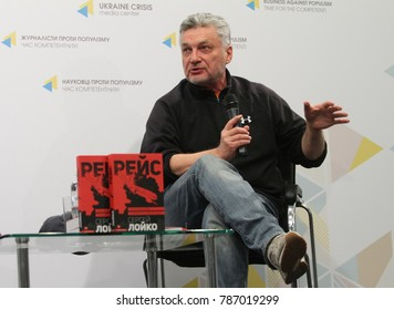 """Writer Sergei Loiko during the presentation of his book """"Flight"""" in Kiev in May 17, 2017"""