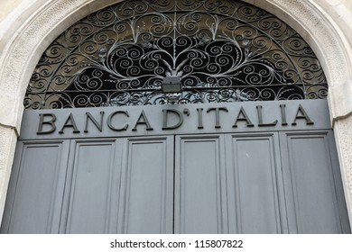 written huge bank of Italy above the entrance door closed