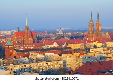 Wroclaw, Poland, February 6th 2018. View of smog over the Wroclaw city at sunset.. Ostrow Tumski