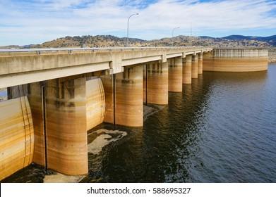 Wyangala Dam at Wyangala Waters Park. NSW, Australia