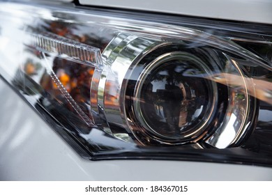 Xenon/LED light of a modern car