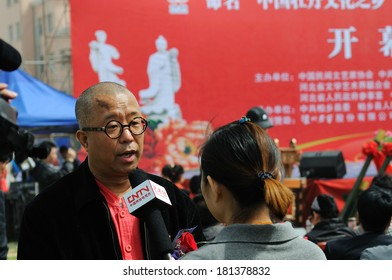 XINGTAI CITY, CHINA - APRIL 2012: In the April 30, 2012, baixiang county traditional festivals, theatrical performances were held locally. Unidentified people in an interview.