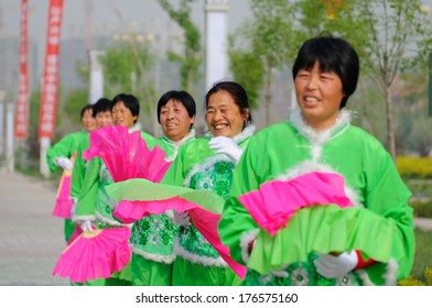 XINGTAI CITY, CHINA - APRIL 30, 2012: In the April 30, 2012, baixiang County held a traditional folk art performances celebrating local Peony Festival.