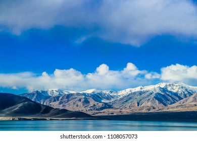 Xinjiang Kashi Pamir plateau snow mountain view