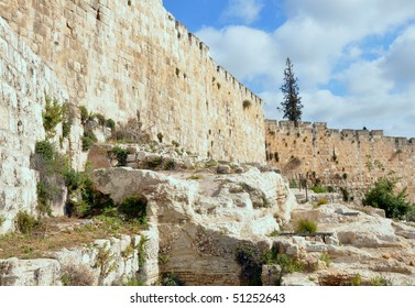 XVI century Jerusalem Old City walls, built by Sultan Suleiman the Magnificent.