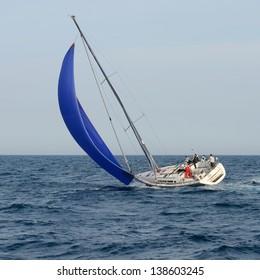 The yacht under sail