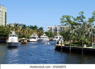 Yachts on the canal of Fort Lauderdale, Florida, USA / Boats on canal
