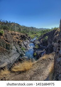 Yahi Trail at Upper Bidwell Park in Chico, CA. One of the biggest municipal parks in the nation.