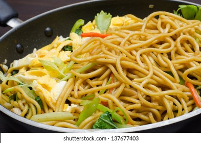 Yakisoba Thai style, Thai noodle in pan