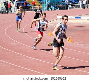 YALTA, UKRAINE - APRIL 25 : Unidentified boys age 16-17 on the 400 meters race on Ukrainian Junior Track and Field Championships on April 25, 2012 in Yalta, Ukraine