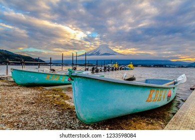 Yamanashi , Japan 18 Nov 2018 - Mt.Fuji and canoe boat  at kawaguchiko lake on sunset time time