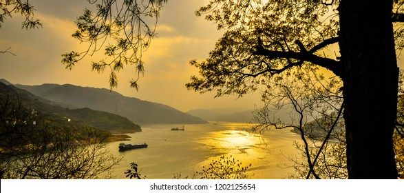 Yangtze river in late afternoon - view from White Emperor City, Baidicheng, China