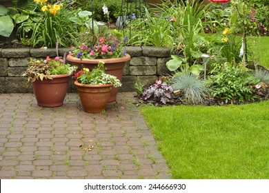 Royalty-Free Terrasse Jardin Bois Pierre Stock Images ...